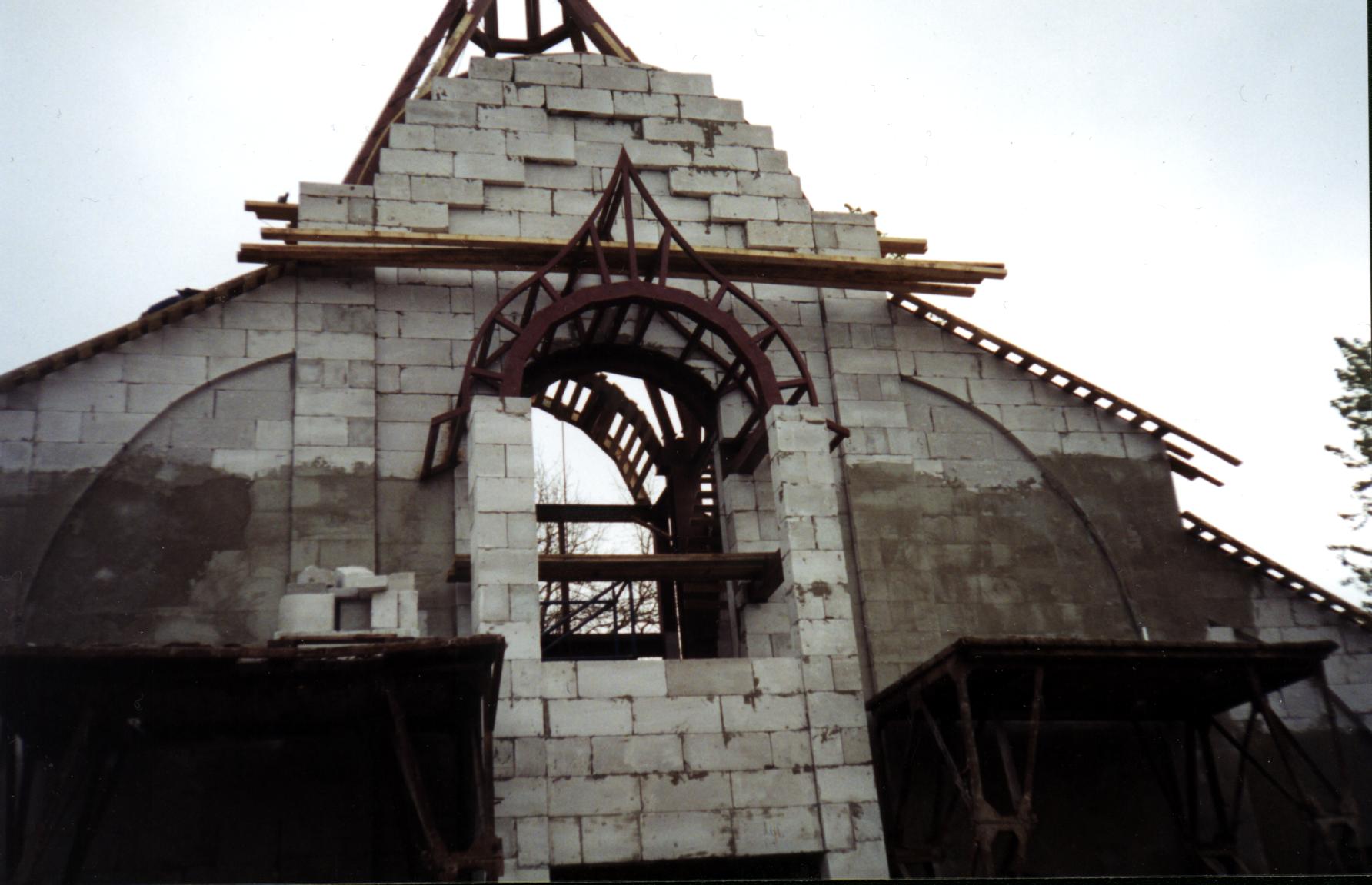 Церковный павильон-часовня на пр. Стачек 98. строительство севзапстальконструкция.