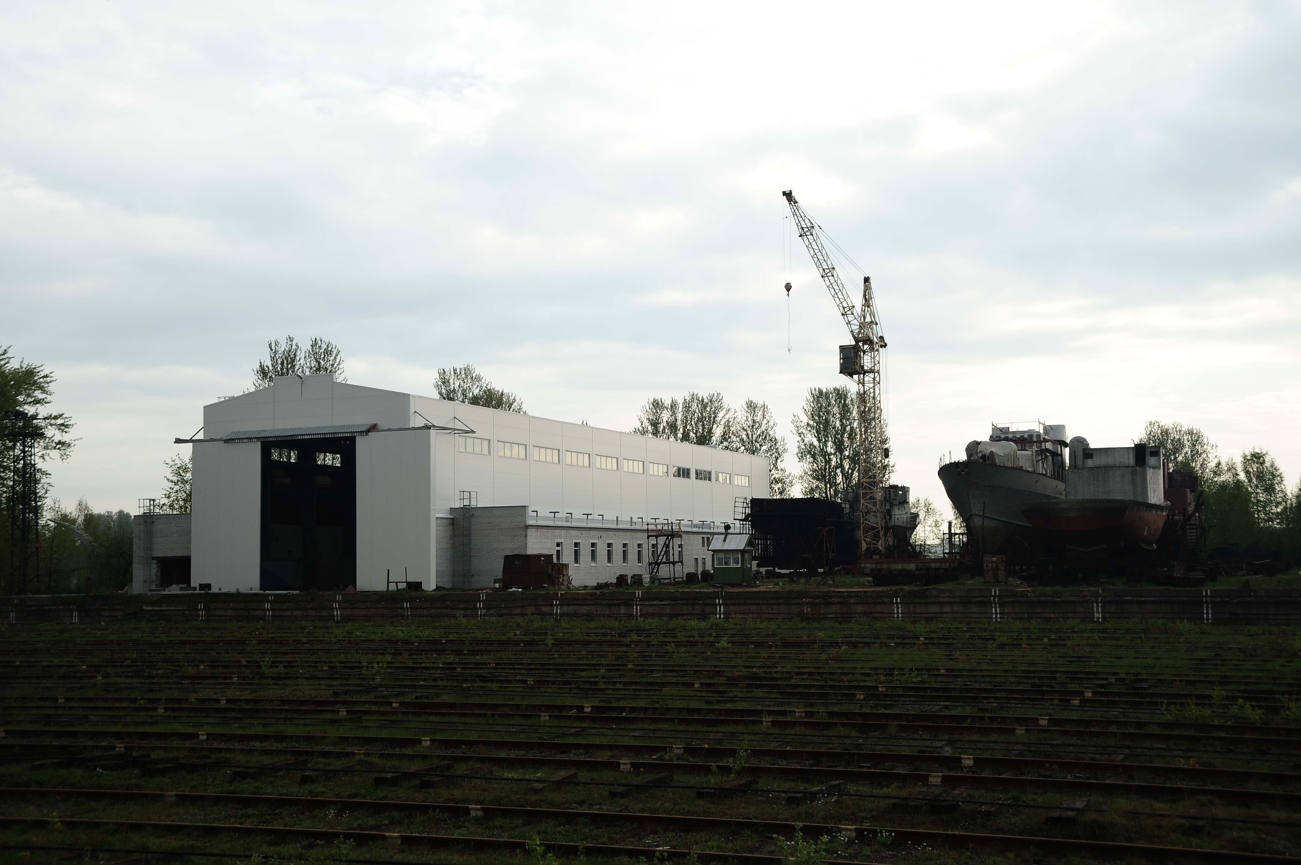 севзапстальконструкция построила средненевский судостроительный завод